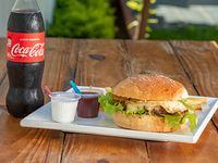 Combo 1 - Hamburguesa simple + papas fritas caseras + gaseosa Coca-Cola 500 ml