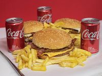 Promo - 3 hamburguesas dobles + papas fritas + 3 Coca Cola 220 ml