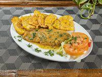 Filete de pescado al ajillo con acompañamiento