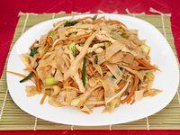 Pan-Tiao Salteado con pollo