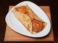 159 - Panqueque de atún, cebolla, queso y tomate