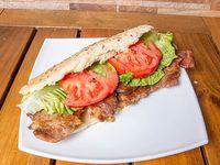 Sándwich  #1 bondiola con lechuga y tomate