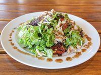 Caesar con grilled chicken green salad