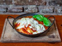 Ravioles de pollo y verdura con salsa a elección