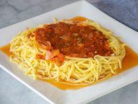 Tallarines con salsa fileto
