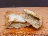 Empanda de cebolla y queso