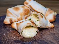 Empanada de rúcula y parmesano