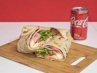 Promo - 2 Hot Wrappers a elección + Coca Cola mini en lata