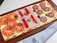 Pizza especial (1/2 metro)