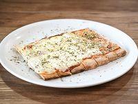 Pizza con muzzarella (porción)