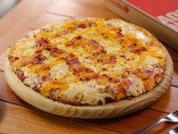 Pizza con queso cheddar y panceta (32 cm)