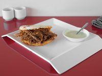 Arepa con Carne Desmechada