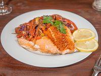 Salmón a la plancha con verduras al wok