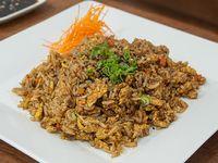 Yakimeshi (salteado de arroz) con huevo y vegetales