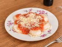 Sorrentinos de jamón y queso  con salsa (7 unidades)