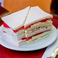 Super sándwich de pollo