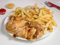 Promo - 1/2 pollo + papas fritas (porción mediana)
