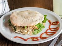 Sándwich en pan árabe Juana de Arco