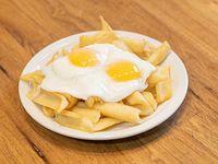 Papas con huevo frito