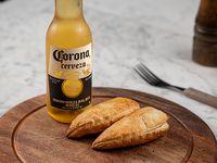 Promo - 2 empanadas + 1 Corona 355 ml