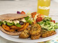 Sándwich Amanecer I + papas rústicas + ensalada