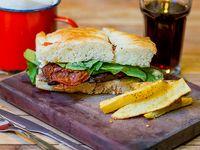 Sándwich de picana en pan focaccia (individual)