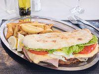 Súper sándwich de milanesa compelto
