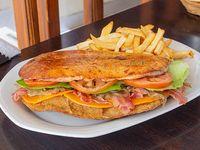 Sándwich de milanesa premium
