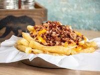 Papas fritas con bacon y cheddar