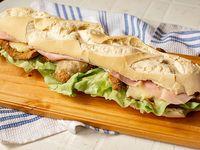 Sándwich de milanesa super completo (comen 2)