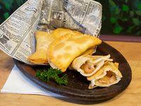 Empanada de camarón y queso frita (4 unidades)