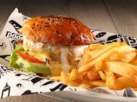 Burger say cheeeese! con papas fritas