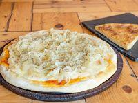 Pizza fugazza con muzzarella + Fainá