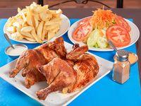 Promoción - Pollo a las brasas + Papas fritas + Ensalada