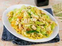 Chow Mein (vegetales con fideos) De pollo