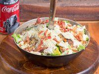 Combo 9 - Caesar salad + bebida línea Coca-Cola 350 ml