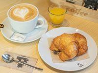 Desayuno - Medialunas (2 unidades) + Bebida caliente + Jugo de naranja