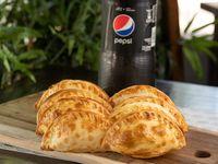 Promo 2- 12 empanadas + refresco 2.5 L