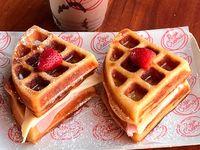 Combo Sandwich Waffle + Bebida
