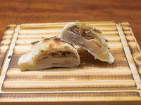 Empanada especial de panceta y ciruelas