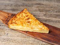 Fainá con cebolla Y queso parmesano
