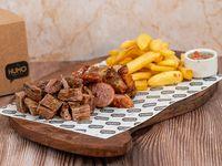 Box carne - Bife de vacío + chorizo + molleja + acompañamiento