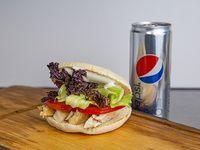 Sándwich campestre tamaño normal + bebida en lata
