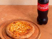 Promo 6- 1/2 Pizza Muzza + Botella 500 + Faina