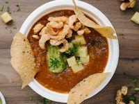 Sopa de Frijol con Chicharrón