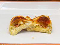 Empanada de roquefort y muzzarella