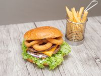 Hamburguesa New York con papas fritas (porción 150 g)