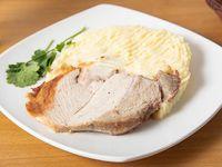 Pulpa de Cerdo al Jugo+ guarnición + gaseosa 220 ml + pan + cubierto