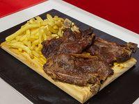 Costillitas de ternera asadas con papas fritas (3 unidades)