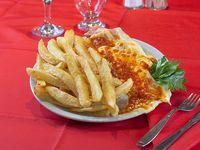 Suprema napolitana con papas fritas